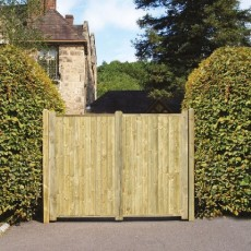 6 x 8 (1.80m x 2.40m) Grange Fortress Tall Driveway Gate - Pressure Treated