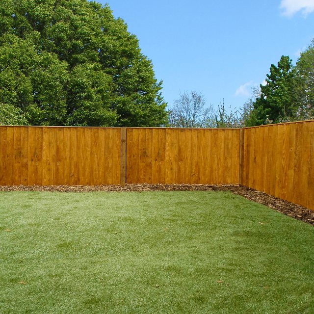 Vertical Feather Edge Flat Top Fencing
