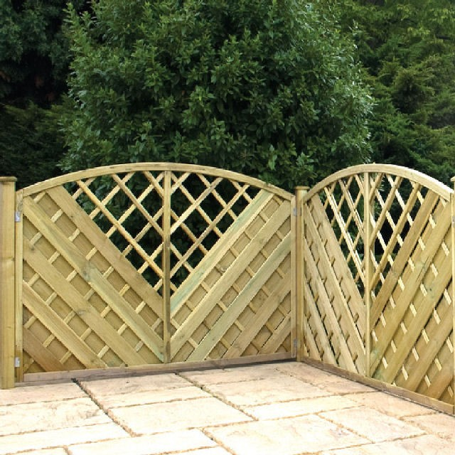 Southwell Pressure Treated Fencing with Integral Trellis