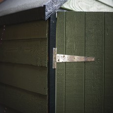 Hinge detail on 4 x 3 Shire Overlap Shed with Double Doors and Shelves - Windowless