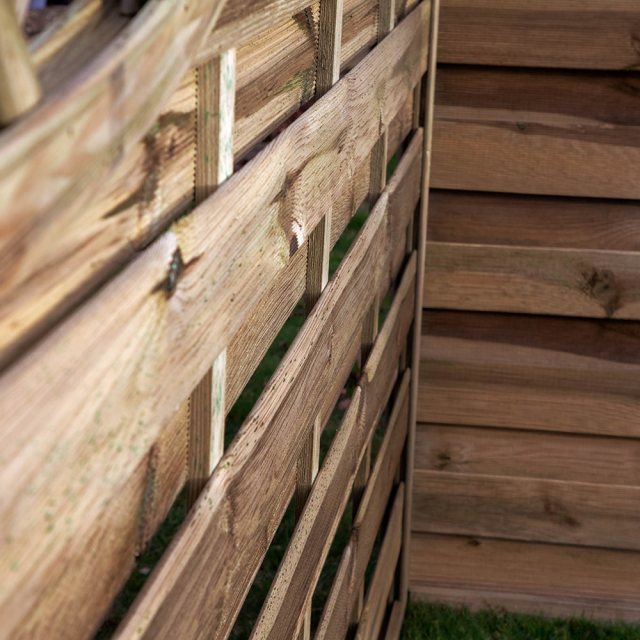 5ft High Mercia Lincoln Pressure Treated Fence Panels with Integrated Trellis