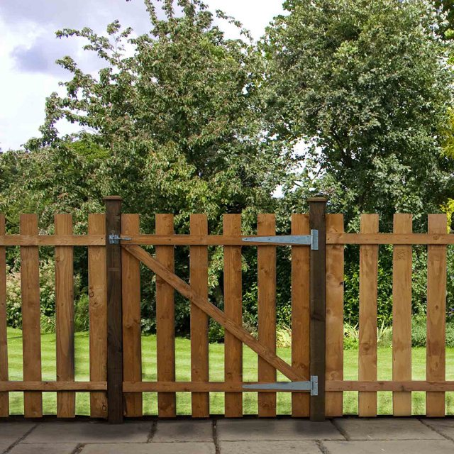 4ft High (1220mm) Mercia Flat Top Palisade Gate - Dip Treated