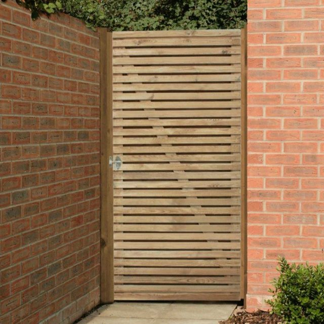 6ft High Forest Contemporary Double-Sided Slatted Gate - In situ