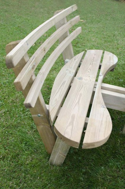 Forest Circular Picnic Table with Seat Backs - 8 Seater - close up of seat