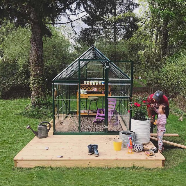 6 x 8 Palram Hybrid Greenhouse in Green