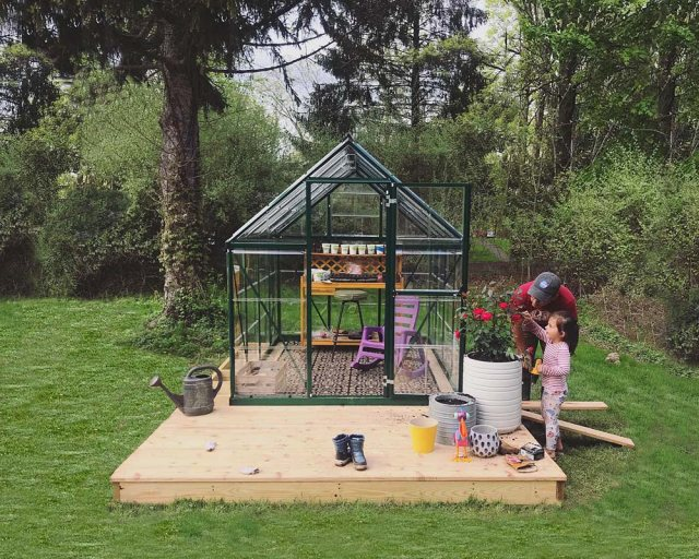 6 x 8 Palram Hybrid Greenhouse in Green - in situ