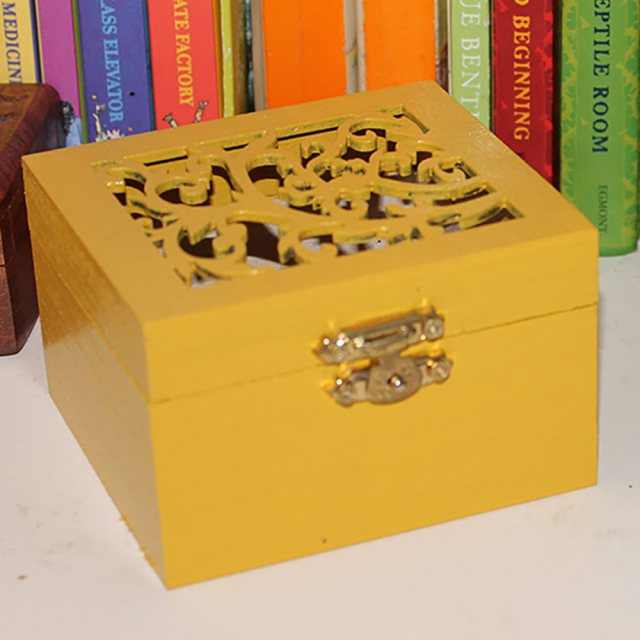Thorndown Wood Paint 2.5 Litres - Mudgley Mustard - Painted on jewellery box