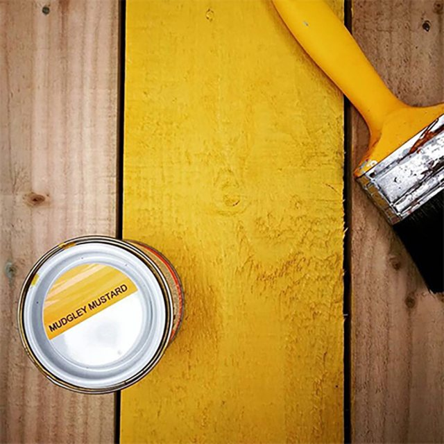 Thorndown Wood Paint 750ml - Mudgley Mustard - Painted on wooden plank