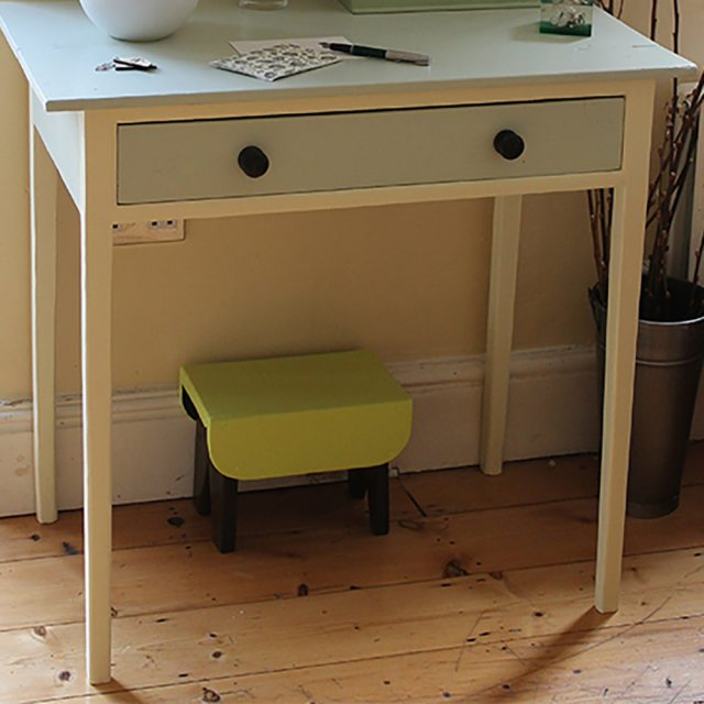 Thorndown Wood Paint 150ml - Chantry Cream - Painted on wooden table