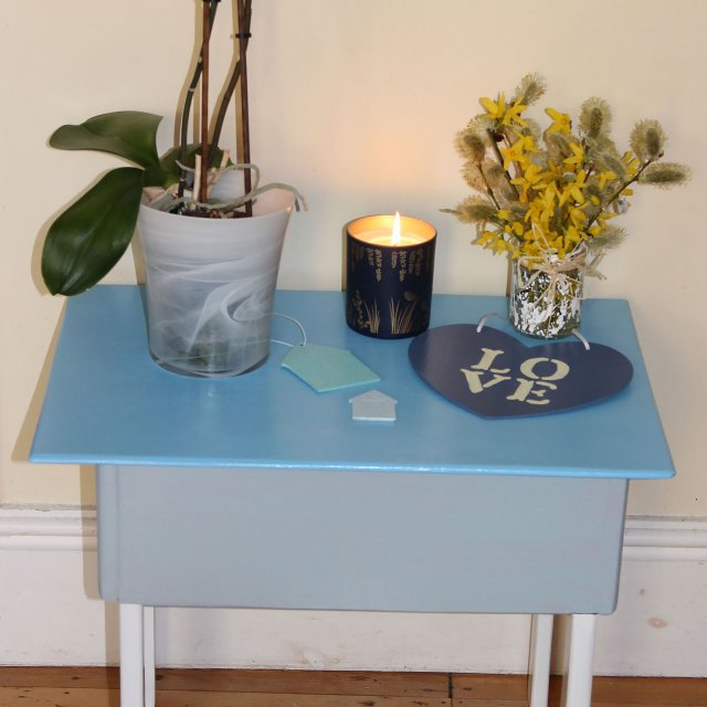 Thorndown Wood Paint 750ml- Adonis Blue - Painted on side table